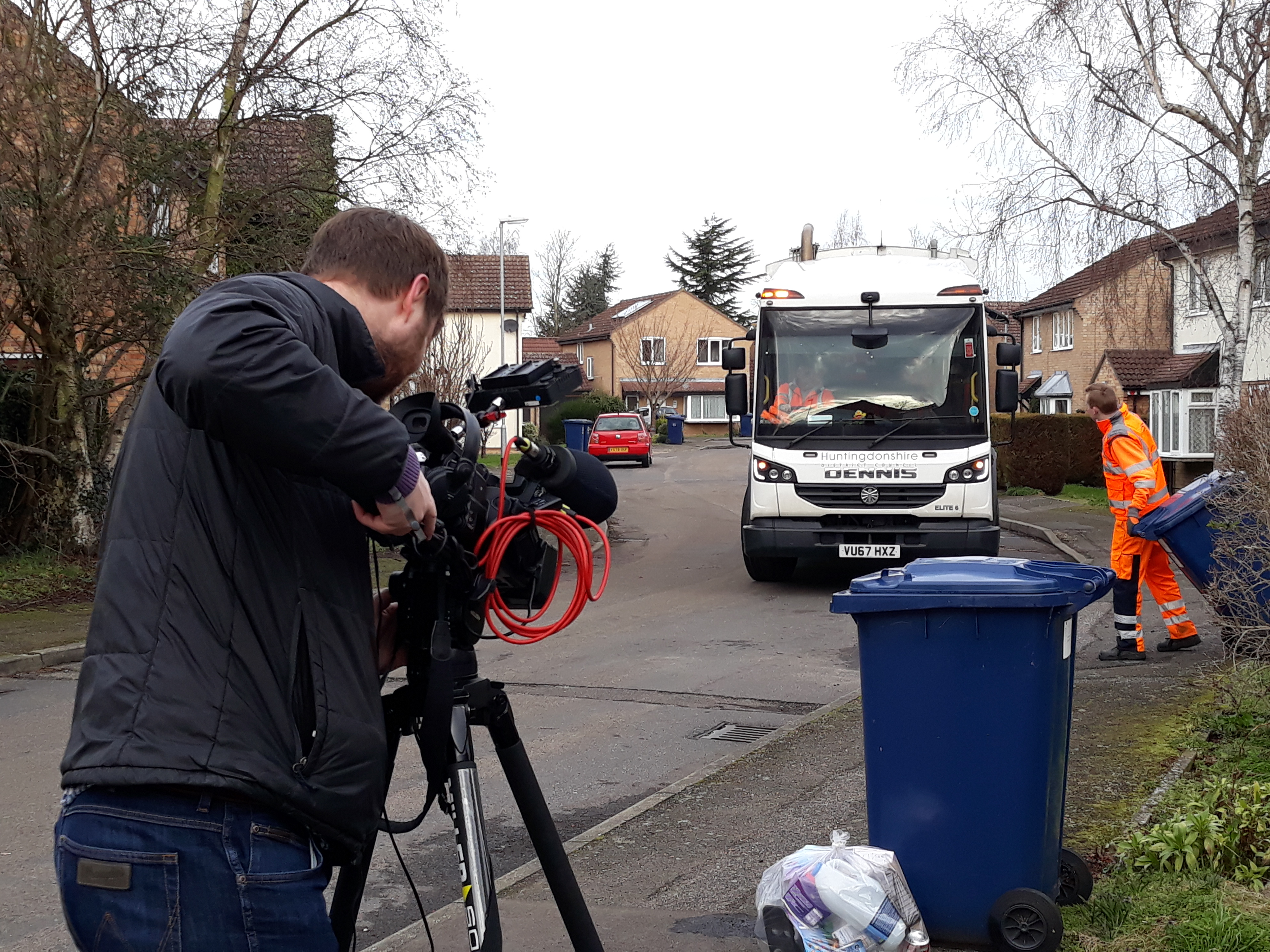 Image of bin lorry taking recycling